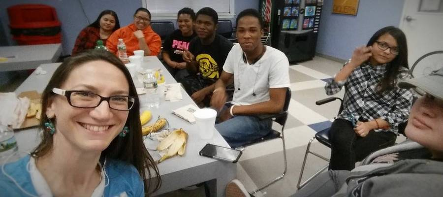 Motivos Partners with Youth Summit at Edison High School