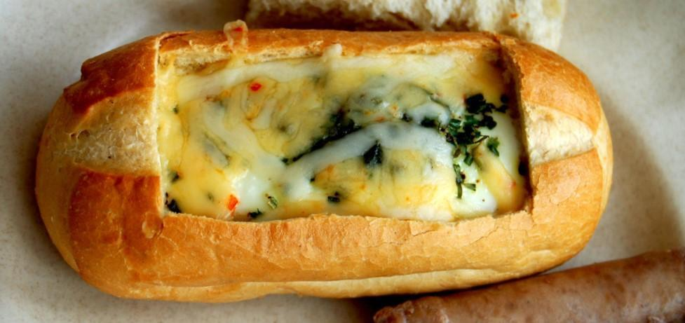 Brunch 101: Baked Eggs in Bread Bowls Recipe