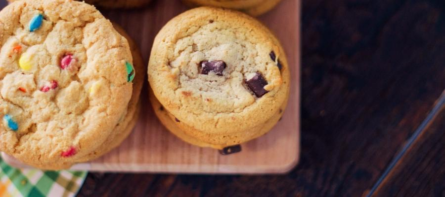 Moist and Chewy Chocolate Chip Cookie Recipe