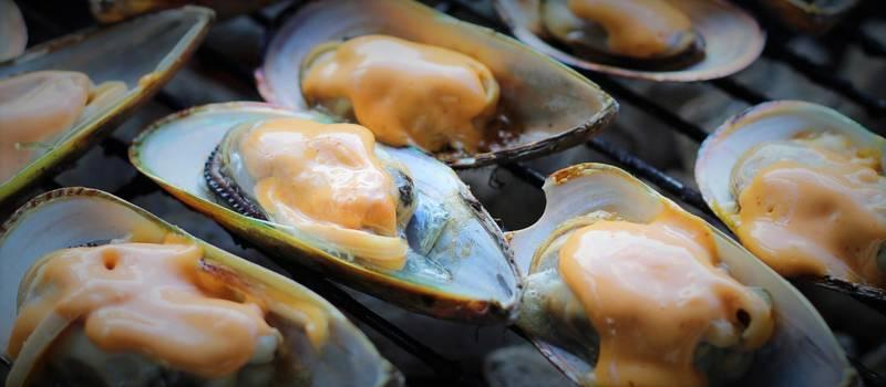 BBQ 101: Grilled Mussels Topped with Barbecue Sauce