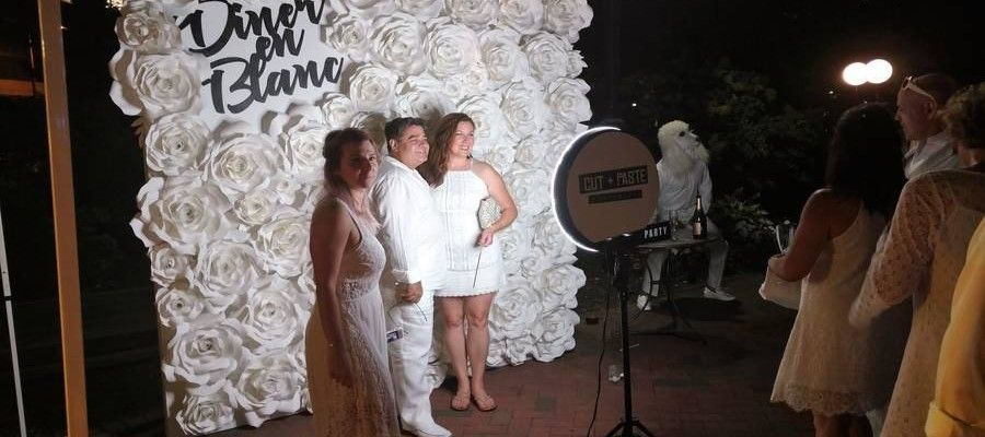 Diner En Blanc 2017 a Night of Fashion at Franklin Square
