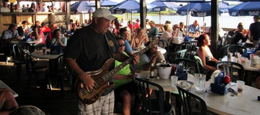 wharf wildwood's profile picture wharf_wildwood Start the weekend with lunch on the waterfront, cold drinks and live music all day!