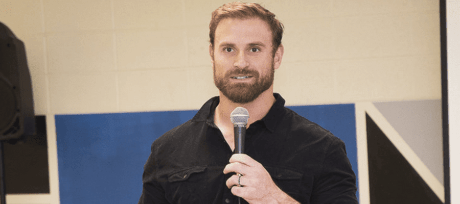 Eagles' Chris Long Teams Up With United Way And Philadelphia Read By 4th