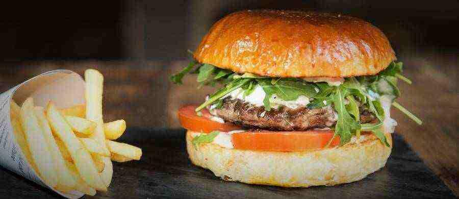 Italian Style Hamburger - Make this easy to create Italian Burger complete with Italian seasonings and a big chunk of Mozzarella Cheese. This burger is sure to be a family favorite see recipe below.
